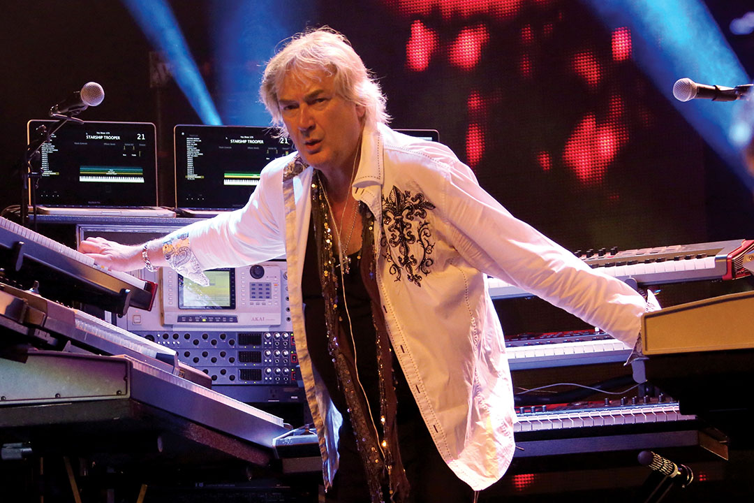 Geoff Downes dazzles on Yes' Topographic Drama: Live Across America. Photo (c) Gottlieb Bros. 2016-2017