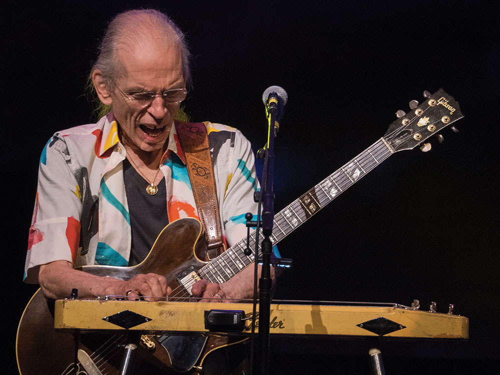 Yes' Steve Howe with his Fender Pedal Steel Guitar. Photo (c) Gottlieb Bros.