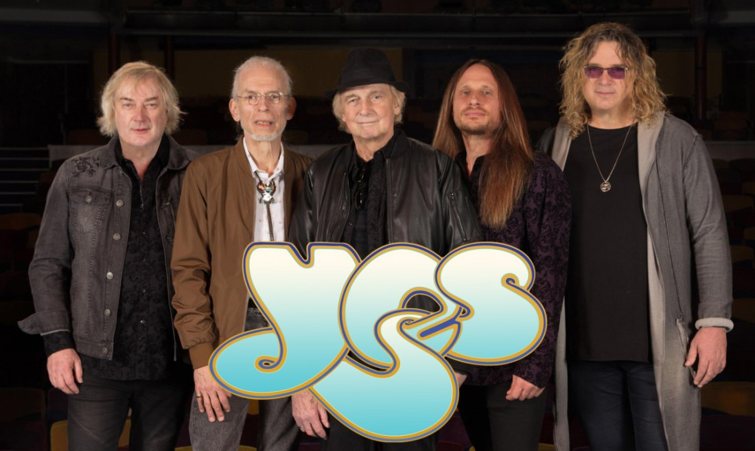 Yes: Geoff Downes, Steve Howe, Alan White, Jon Davison, Billy Sherwood. PHOTO © GOTTLIEB BROS.